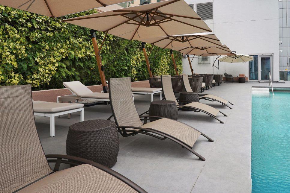 infinity pool hong kong-rooftop-酒店泳池-天台